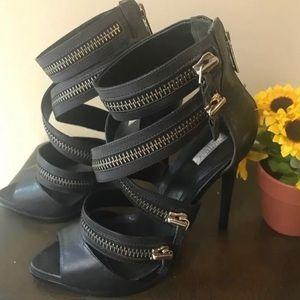 Schutz Sandalia Black Leather Heels 7 B
